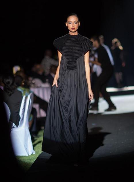 Показ моды бренда Ozwald Boateng на вечере «Сделано в Африке». Фото: Didier Baverel/Getty Images for Made in Africa Foundation
