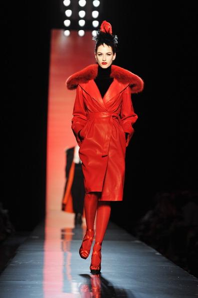 Показ осеннее-зимней коллекции Jean Paul Gaultier 2011/2012 на Неделе моды в Париже,  6 июля   2011. Фото: Pascal Le Segretain/Getty Images
