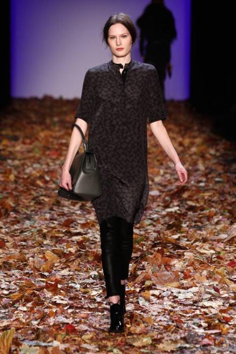 Давид Тамошевский представил коллекцию женской одежды сезона осень-зима 2014/2015 на берлинской Неделе моды 15 января 2014 года. Фото: Peter Michael Dills/Getty Images for IMG