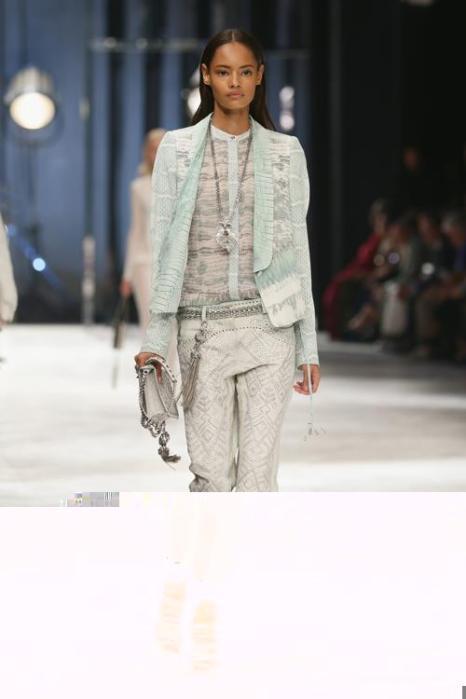 Один из самых ярких представителей итальянской моды Роберто Кавалли представил 21 сентября 2013 года в Милане новую коллекцию весна-лето 2014 на Неделе моды. Фото: Vittorio Zunino Celotto/Getty Images