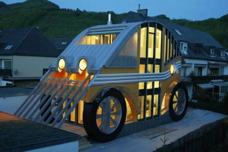 Дом-автомобиль в Австрии австрийского архитектора Маркуса Воглрейтера. Фото: FRANZ NEUMAYR/AFP/Getty Images
