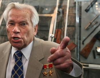 Михаил Тимофеевич  Калашников. Фото: DIMA KOROTAYEV/AFP/Getty Images