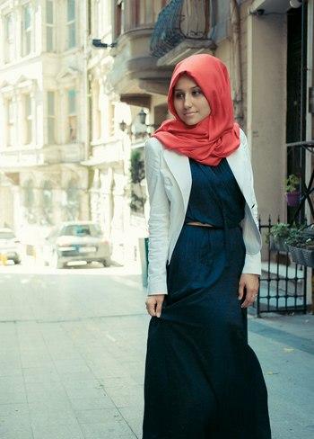 Современная мусульманка. Фото с сайта muslimfashion.ru/image