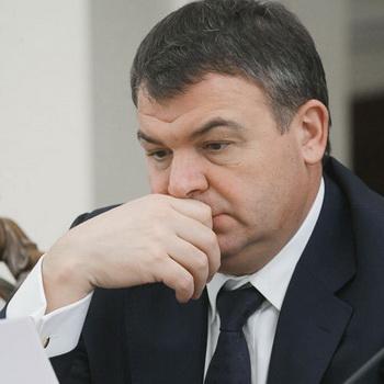 Министр обороны РФ Анатолий Сердюков. Фото РИА Новости