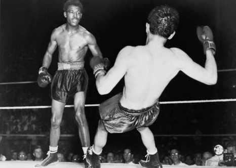 Шугар Рэй Робинсон против Джимми Дойла. Фото: Wikimedia Commons