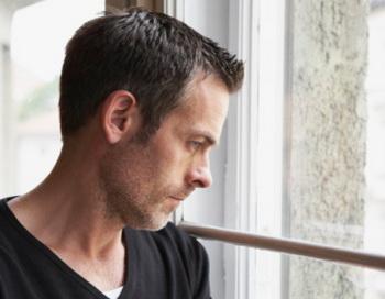 Депрессия чаще встречается у тех, у кого наблюдается недостаток витамина D. Фото: Emely/Getty Images