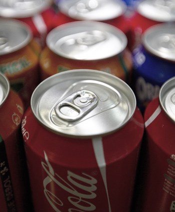 Безалкогольные напитки с кукурузным сиропом делают нас глупее. Фото: JOEL SAGET/AFP/Getty Images