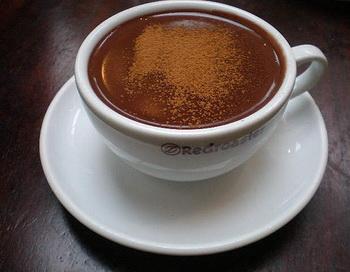 Горячий шоколад убережёт от старческого слабоумия. Фото: Stephanie Watson/flickr.com