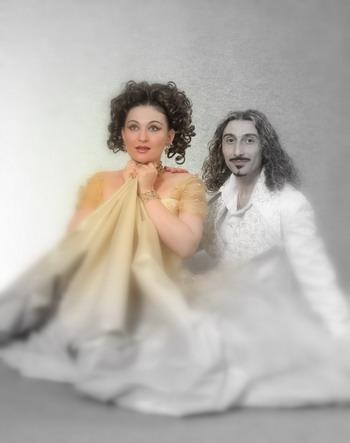 Костас Алеврас и Инесса Кундиус,  творческий вириальный дуэт театра песни. Фото из семейного альбома