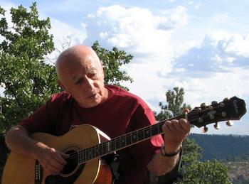 Городницкий в лесах Орегона. Фото: Юлия Гольдберг/russianfoundation.org