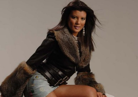 Весенние тенденции кожаной моды 2012. Фото: ADAMO