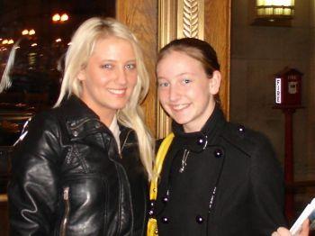 Кася и её сестра Патриция Лис в театре Civic Opera House. Фото: Вань Ин /Великая Эпоха