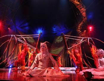Цирковая труппа Cirque du Soleil. Фото: Johannes Simon/Getty Images