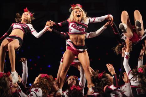 Танцевальный конкурс чирлидеров (BCA International Cheerleading and Dance Competition) прошел в Англии. Фото: Dan Kitwood/Getty Images