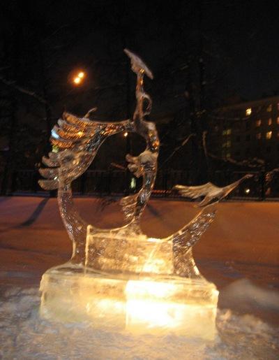 Выставка ледяных скульптур проходит в рамках IX Международного фестиваля песчаной скульптуры, тематика «Мировое кино». Фото с сайта photofile.ru