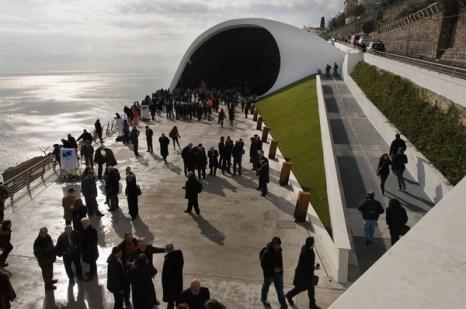 Концертный зал  в южном итальянском городе Равелло на побережье Амальфи. Фото:  ROBERTO Salomone / AFP / Getty Images