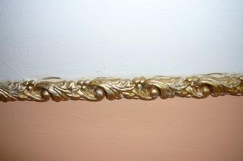 Лепные украшения для потолка и для стен. Фото: Лариса Чугунова/Великая Эпоха (The Epoch Times)
