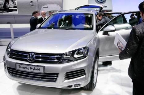 Фольксваген представил новое поколение внедорожника VW Touareg Hybrid. Фото: SEBASTIAN DERUNGS/AFP/Getty Images