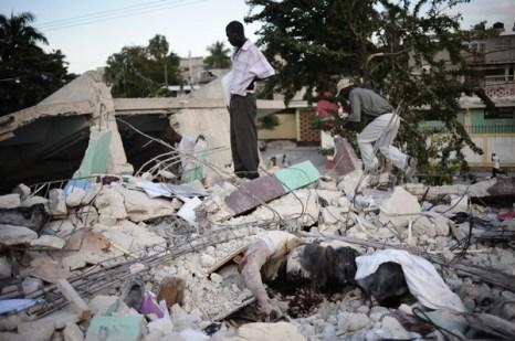 Землетрясение на Гаити — одно из самых страшных в мировой истории. Фото: Olivier Laban mattei/AFP/Getty Images