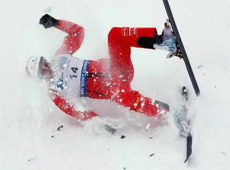 Зимой не до скуки. Швейцарец Томас Ламберт упал на соревновании по лыжному виду спорта в Квебеке 16 января.  Фото: sportpicture.ru