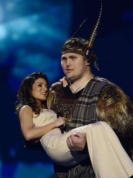 Злата Огневич из Украины в финале Евровидения 2013. Фото: JOHN MACDOUGALL/AFP/Getty Images