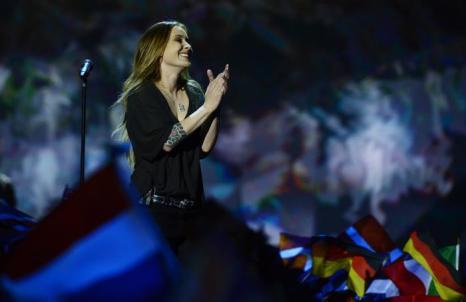 Анук из Нидерландов в финале «Евровидения-2013». Фото: JOHN MACDOUGALL/AFP/Getty Images
