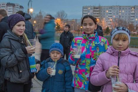 Молочный флешмоб. Фото: Сергей Тугужеков/Великая Эпоха (The Epoch Times)