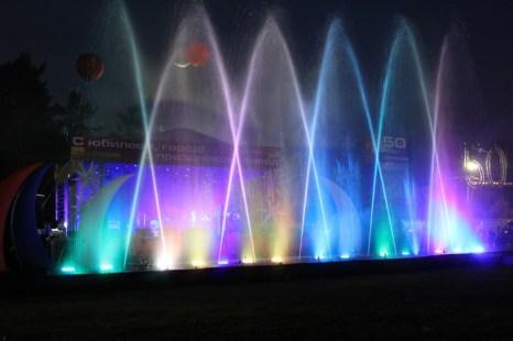 Аква-шоу в дни юбилея города Шелехов. Фото: Николай Ошкай/Великая Эпоха (The Epoch Times)