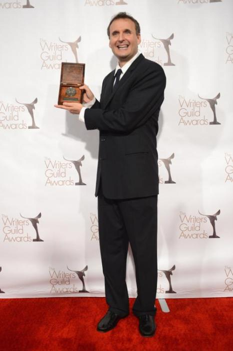 Писатель на вручении премии Гильдии писателей США. Фото: Jason Kempin/Getty Images for WGAw