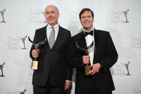 Писатели Джошуа Бренд и Джон Фэлси на вручении премии Гильдии писателей США. Фото: Jason Kempin/Getty Images for WGAw
