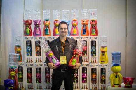 Детские кулеры для воды с бутылью на 2,5 л. Выставка семейного отдыха
