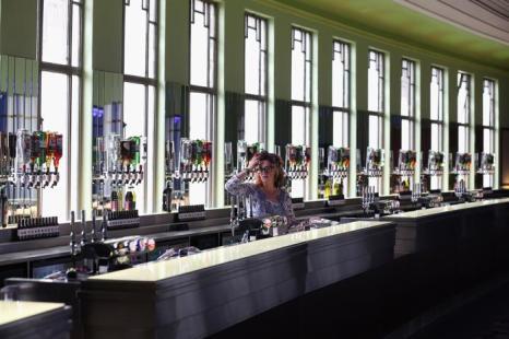 Одна из самых знаменитых музыкальных площадок мира, лондонский «Хаммерсмит-Аполло» открылся 7 сентября 2013 года после проведённой реконструкции, которая обошлась почти в 8 млн долларов. Фото: Oli Scarff/Getty Images
