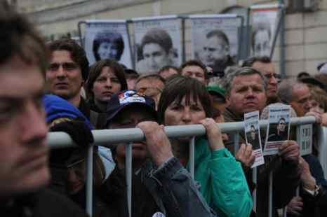 Митинг на Болотной площади, запланированный на 6 мая в честь годовщины «Марша миллионов», состоялся, несмотря на трагический случай, происшедший при монтаже акустической аппаратуры на сцене. Фото: Johannes Simon/Getty Images
