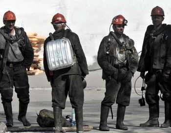 Шахтёры. Фото: VIKTOR DRACHEV/AFP/Getty Images
