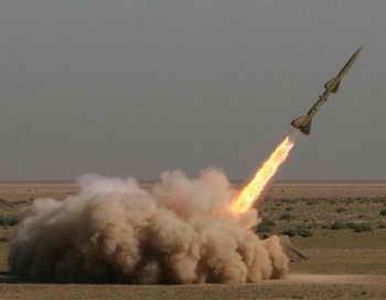 Южно-военный округ под Астраханью проводит первые стрельбы ЗРС «Тор». Фото: SHAIGAN/AFP/Getty Images
