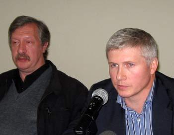 Ю. Шевчук и В. Карпович (справа). Фото:Татьяна Петрова/Великая Эпоха