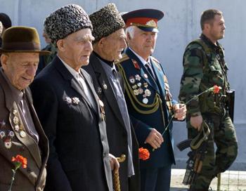 Ветераны. Фото: KHASAN KAZIYEV/AFP/Getty Images