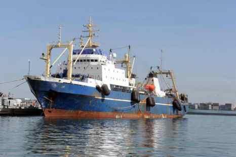 Российский траулер «Олег Найдёнов» было задержано в водах Сенегала за несанкционированный промысел. Фото: SEYLLOU/AFP/Getty Images