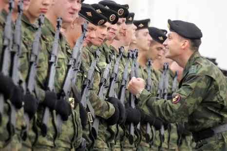 Сегодня в России отмечают день морской пехоты. Фото: ALEXANDER NEMENOV/AFP/Getty Images