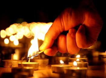 Траур с 1 по 3 января объявлен в Волгоградской области. Фото: ALEXANDER NEMENOV/AFP/Getty Images