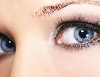 Учёные  создали прибор, управляемый движением глаз . Фото с сайта cvetglaz.ru