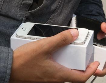 iPhone 4S. Фото РИА Новости