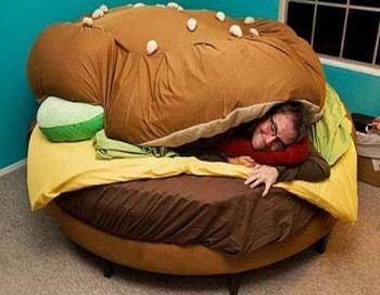 Потеря самоконтроля и ожирение грозят любителям фастфуда. Фото с сайта: nauka21vek.ru
