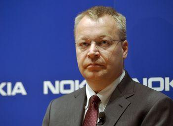 Генеральный директор Nokia Стивен Элоп во время пресс-конференции в Эспу, Финляндия, 14 июня 2012 года. Nokia планирует сократить 3700 рабочих мест в  Финляндии и поэтапное закрытие завода в Сало. До конца следующего года финский мобильный гигант планирует сократить около 10 000 рабочих мест во всём мире. Фото: КИММО MANTYLA/AFP/GettyImages