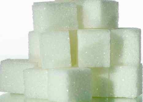 Потребление сахара не должно превышать норму. Фото: LIONEL BONAVENTURE/AFP/Getty Images