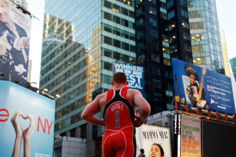 Фоторепортаж со встречи по вольной борьбе Россия – США в Нью-Йорке. Фото: Mike Stobe/Getty Images
