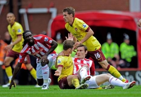 «Арсенал»  проиграл «Сток Сити» со счетом 3:1.  Фоторепортаж с матча. Фото: ADRIAN DENNIS/AFP/Getty Images