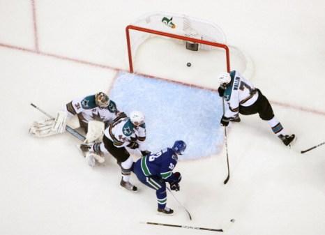 «Ванкувер» выиграл  у команды «Сан-Хосе» со счетом 3:2. Фоторепортаж с матча.Фото: Harry How/Getty Images