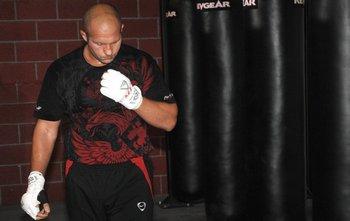 Фёдор Емельянеко на одной из последних перед боем тренировок. Фото с сайта mixfight.ru