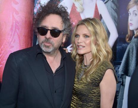 Мишель Пфайффер  (Michelle Pfeiffer) и режиссер Тим Бертон (Tim Burton) на премьере фильма «Мрачные тени» (Dark Shadows) в Голливуде. Фоторепортаж. Фото: Kevin Winter/Getty Images